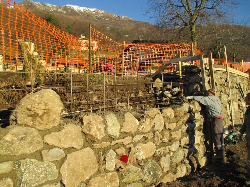 Muri in pietra prima del restauro (1)