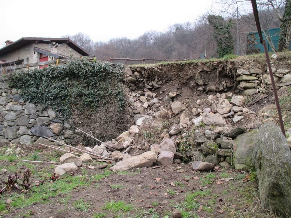Muri in pietra prima del restauro (2)