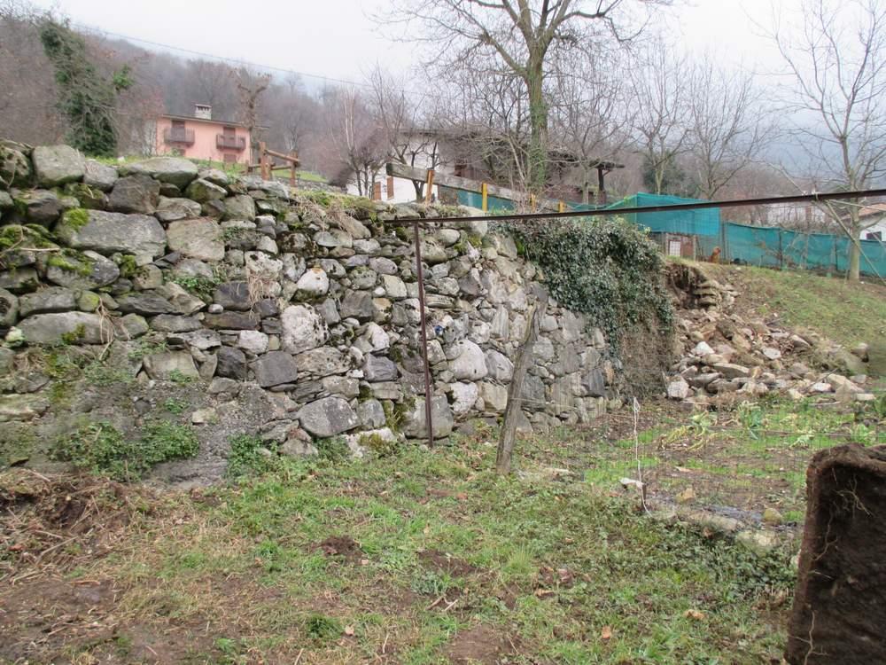 Muri in pietra prima del restauro (4)