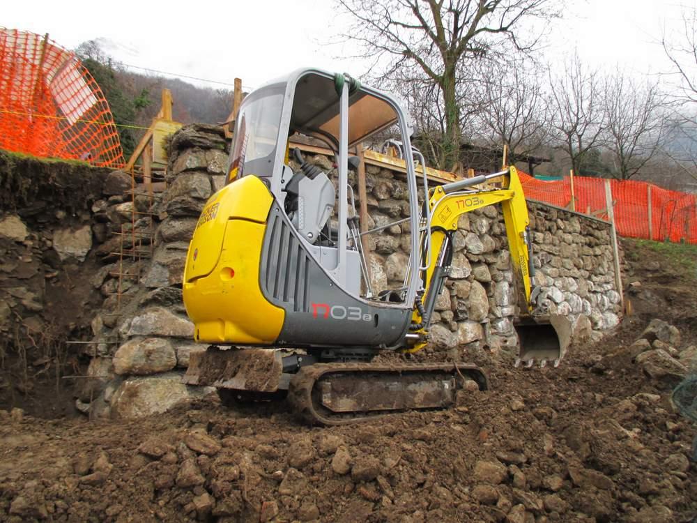Muri in pietra prima del restauro (5)