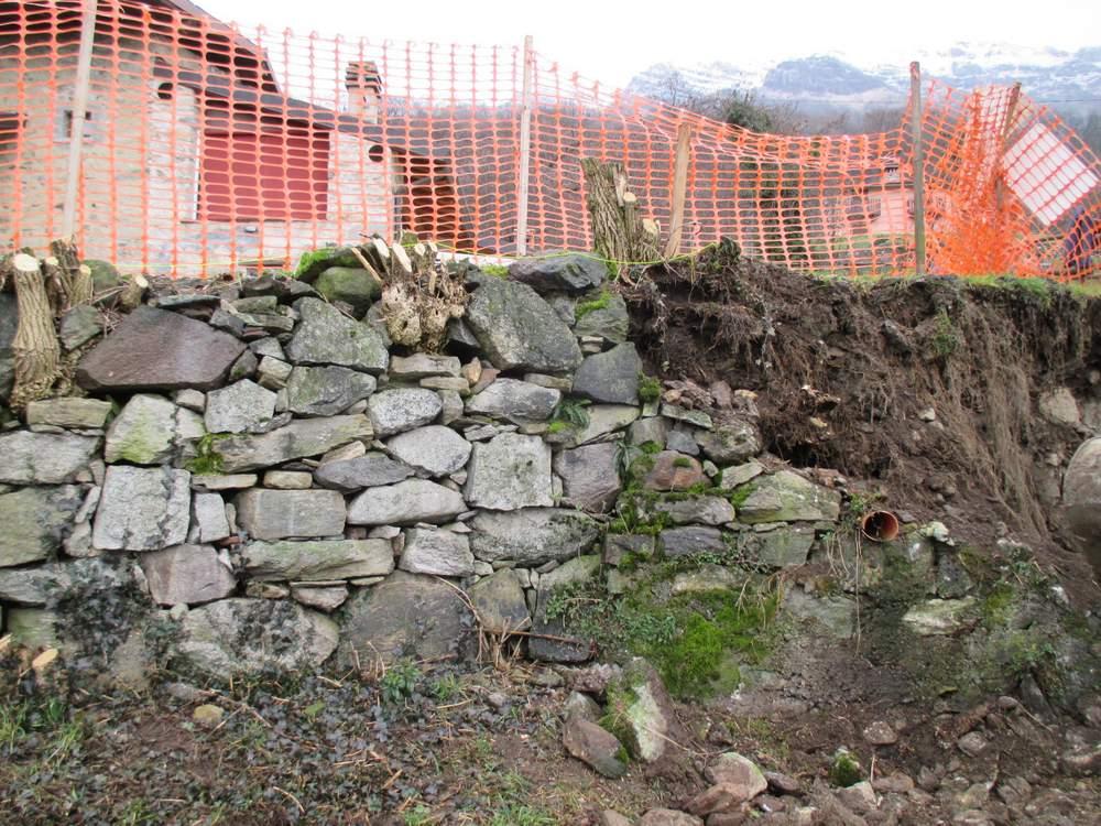 Muri in pietra prima del restauro (6)