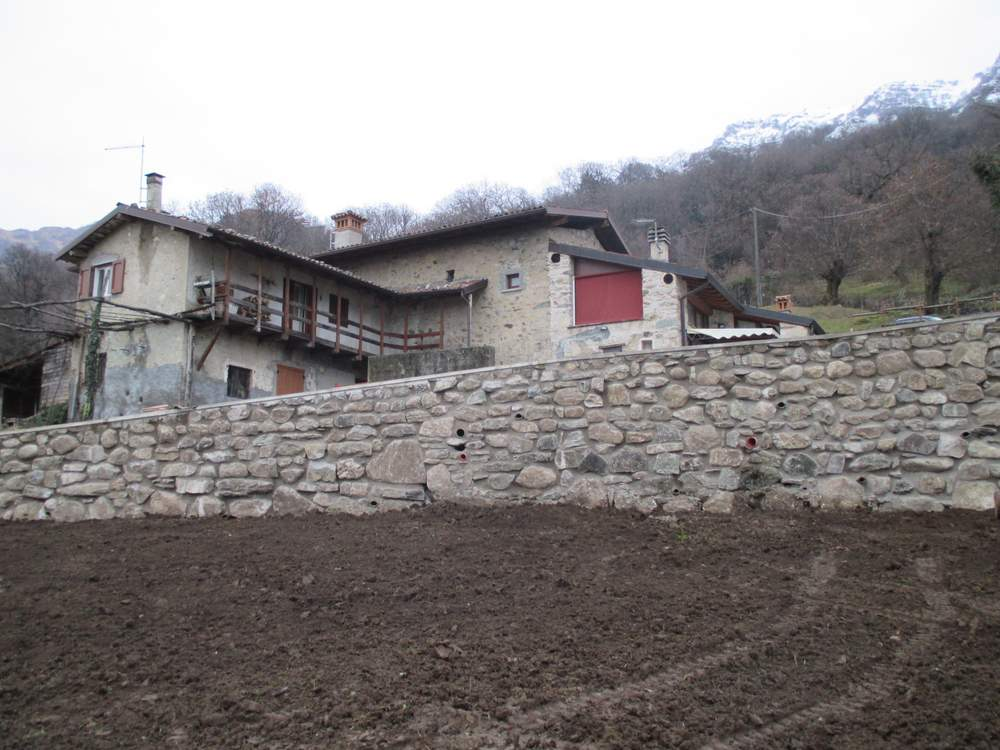 Muri in pietra ricostruiti (1)